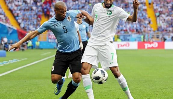 Uruguay, Suudi Arabistan'ı kupa dışına itti