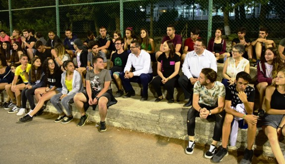 Başbakan Erhürman'dan Kantara Yaz Kampı'na ziyaret