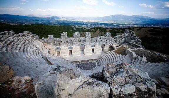 Burdur'da iki bin yıllık 'Medusa' ziyaretçilerini bekliyor