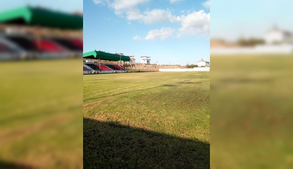 Esat Erdoğmuş Stadı, ara ekim bekliyor