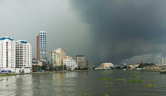 Filipinler 'Henry' fırtınasına teslim