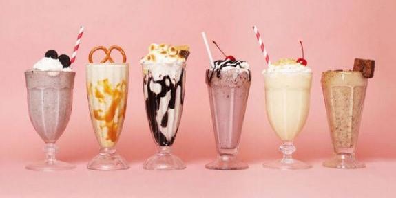 Her Biri Diğerinden Lezzetli 9 Ev Yapımı Milkshake Tarifi