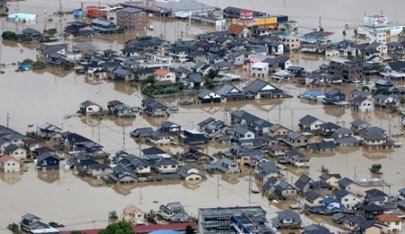 Japonya'da sel felaketi bilançosu yükseliyor