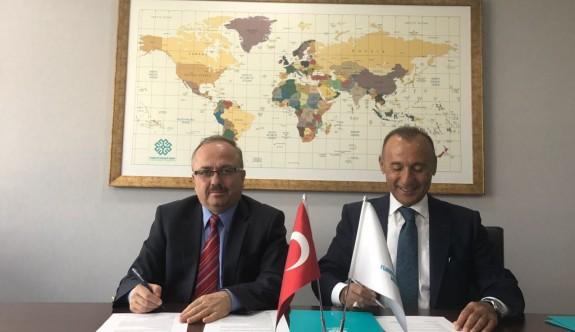 Kıbrıs Ada Kent Üniversitesi ile Türkiye Maarif Vakfı ortaklığı