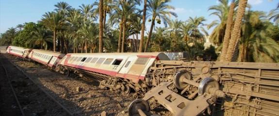Mısır'da tren kazası: 55 yaralı