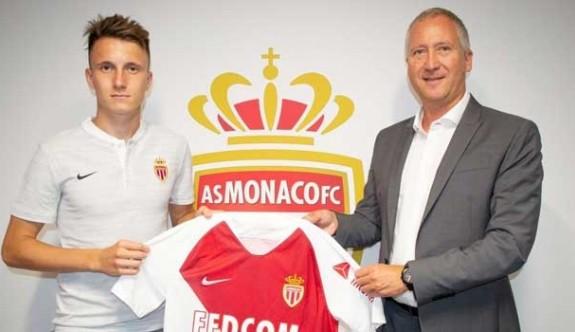Monaco, Golovin'i renklerine bağladı