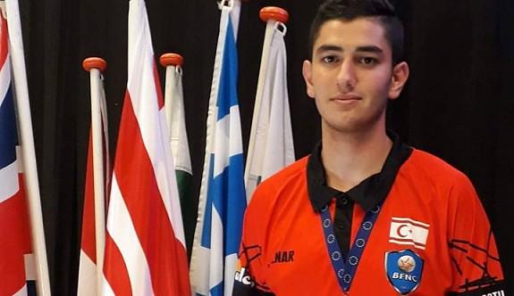 Mustafa, Dünya Şampiyonası yolunda