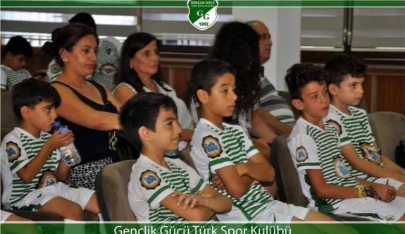 Oyna GG Futbol Akademisi eğitimde
