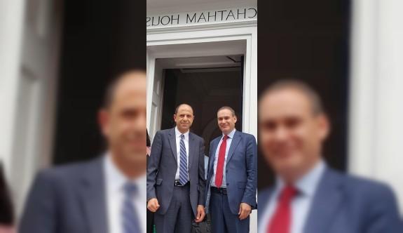Özersay, Chatham House'ta konuşma yaptı