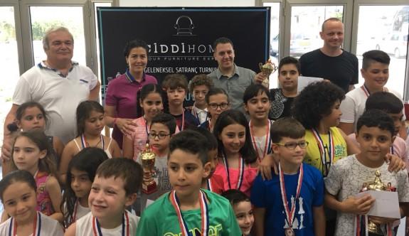 Satrancın şampiyonları İrfanoğlu, Atasoy ve Antel