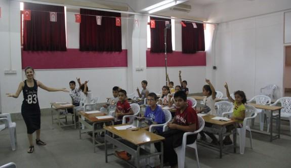 Surlariçi çocuklarına İngilizce kursu