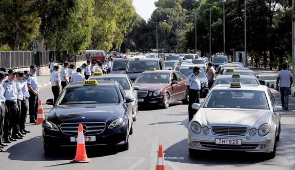 Taksiciler sorunlarına çözüm bekliyor