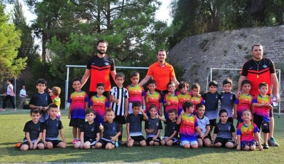 Yusuf Kaptan Sahası'nda futbol şöleni yaşandı