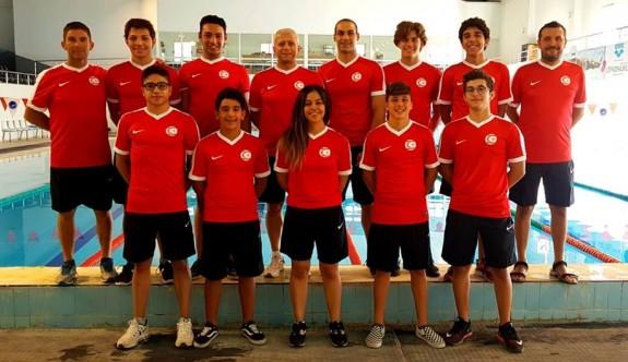 Yüzücülerimiz, Türkiye'de başarıya kulaç attı