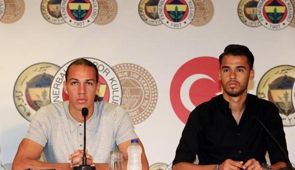 Fenerbahçe'de yeni transferler imza attı
