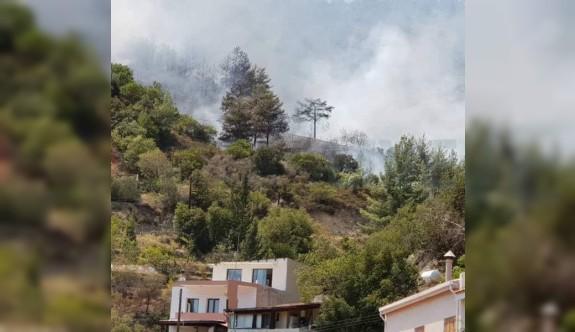 Güney Lefkoşa'da yangın kontrol altına alınamıyor