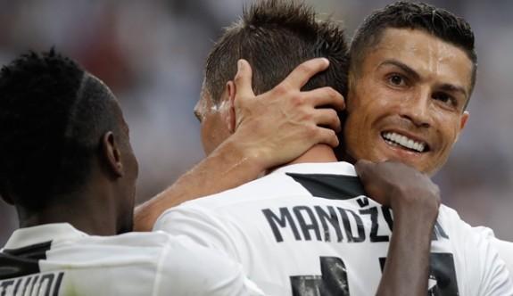 Juventus, Lazio'yu iki golle geçti
