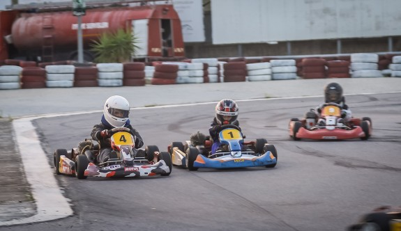 Kartingde üçüncü yarış heyecanı