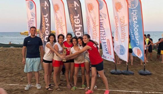 Plajda ilk şampiyonlar belirlendi