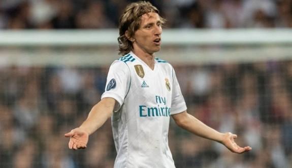 Real Madrid, Modric'i bırakmıyor
