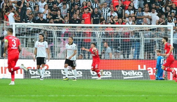 Vodafone Park büyüsünü Antalyaspor bozdu