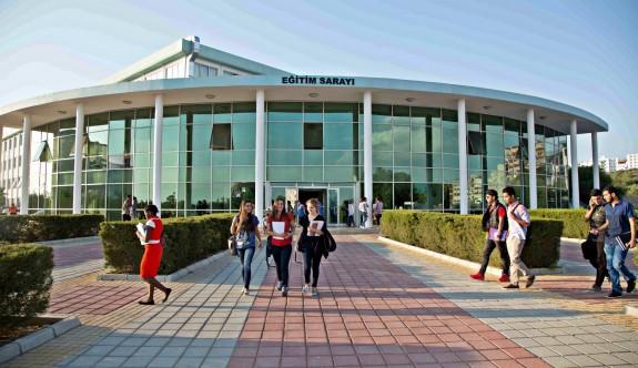 YDÜ'de yaşam boyu eğitim programları başlıyor