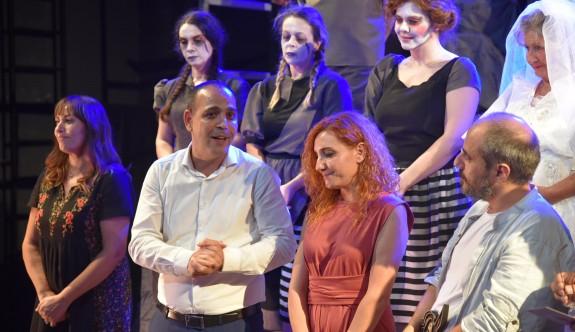 16. Kıbrıs Tiyatro Festivali perdelerini açtı