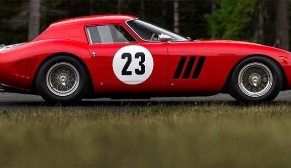 1962 model ferrari rekor fiyata satıldı