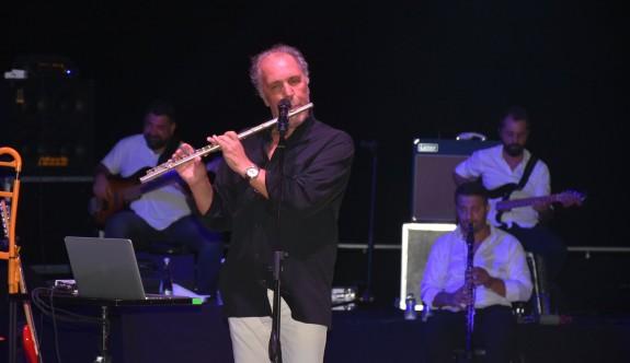Amfi Tiyatro'da Fatih Erkoç rüzgarı