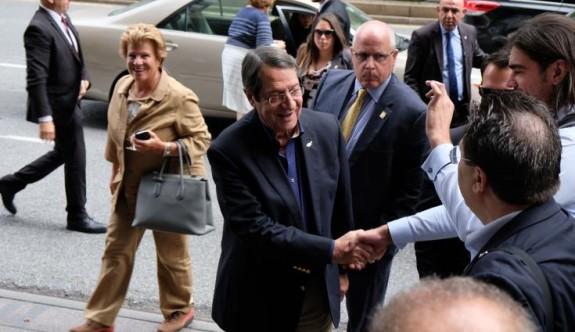 Anastasiadis'ten, müzakereler için yeni şartlar