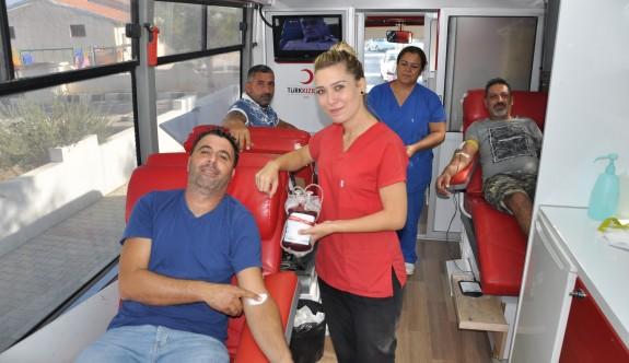 Dilekkaya'da üç saatte 42 ünite kan bağışı yapıldı
