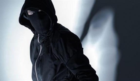 Girne'de güpe gündüz 200 bin TL'lik  soygun