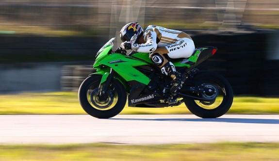 Kenan Sofuoğlu motosikletiyle F-16 uçağına karşı yarışacak
