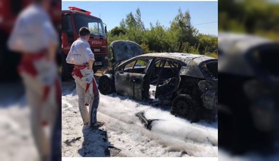 Marmaris'te, Craig Breen'in aracı yandı