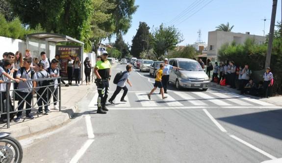Okul bölgelerinde trafiğe dikkat