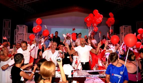 Salamis'te Zafer Bayramı coşkusu