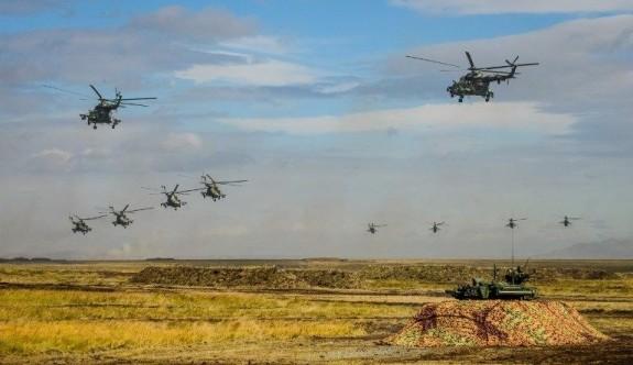 Sibirya'da Rusya ve Çin'den savaş oyunu