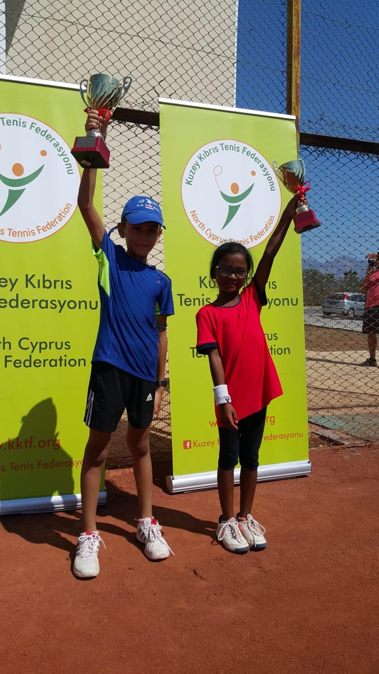 Tenisin küçük şampiyonları belirlendi