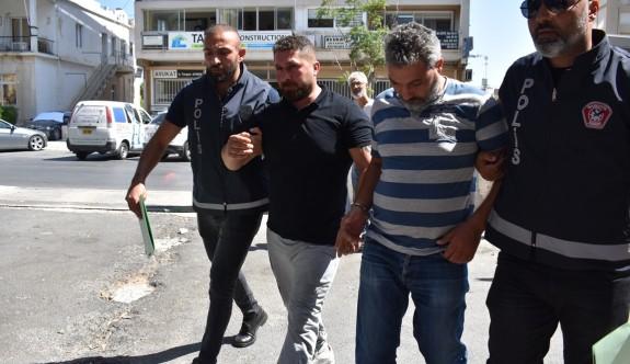 Yarım kilo uyuşturucuyla kaçak giriş yaparken yakalandılar
