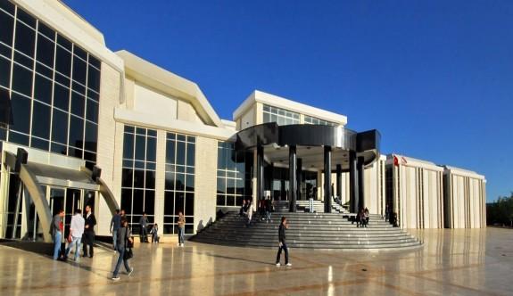 YDÜ'de on yeni doktora ve yüksek lisans program açıldı