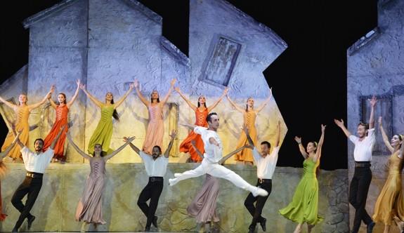 Zorba Balesi Girne'de sahnelendi
