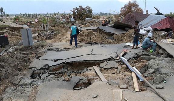 Endonezya'da şiddetli yağmur: 22 ölü
