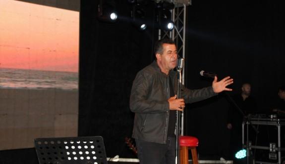 Enver Ermetal,  40 yılını 'Yalan' albümünde topladı