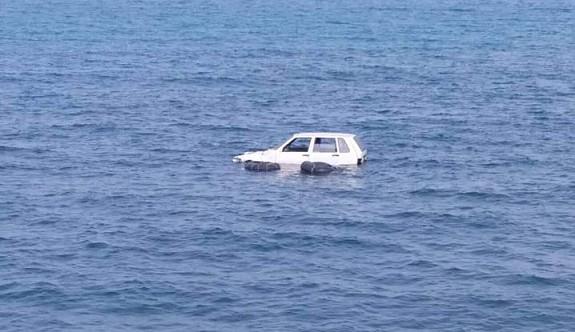 Gemikonağı'nda denizde araç panik yaşattı