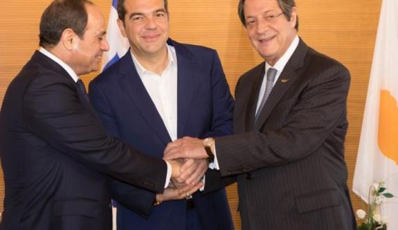 Güney Kıbrıs-Mısır-Yunanistan zirvesi başladı