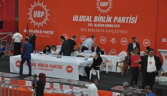 İlk iki yüz oyda Ersin Tatar fark attı