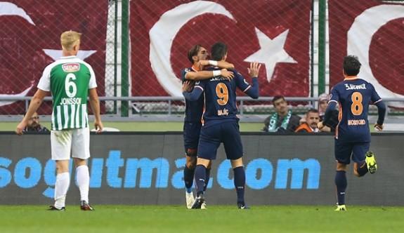 Konya'da 3 puan tek golle Başakşehir'in