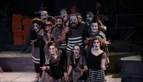 Lefkoşa Belediye Tiyatrosu, sezonu açıyor