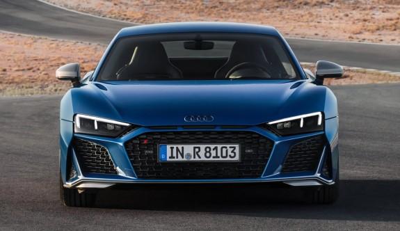 Makyajlı yeni Audi R8 Coupe
