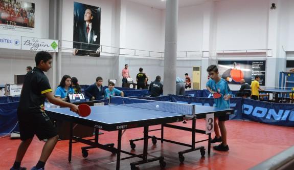 Masa Tenisi'nde yıldızlar parlıyor